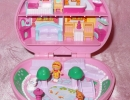 01-01 Polly Pocket 02 - Country Cottage.JPG