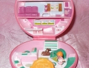 01-01 Polly Pocket 11 - Buttons' Animal Hospital.JPG