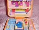 01-01 Polly Pocket 16 - Polly's Town House.JPG