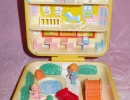 01-01 Polly Pocket 18 - Midge's Play School.JPG