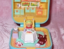 06-01 Polly Pocket - Polly's Dinnertime.JPG