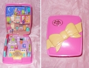 10 - 01 Polly Pocket Light up Mansion.jpg